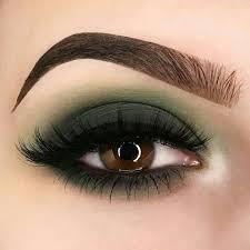matte khaki green eyeshadow look