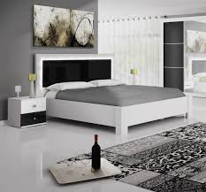 Lovely Lit Blanc Et Noir 1 Lit Noir Et Blanc On Decoration D