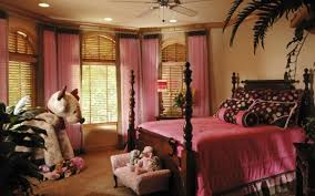 Pink And Brown Bedroom Decorating Brown Bedrooms Classic Wood Beds In Brown Bedrooms Interior