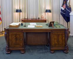 oval office furniture. President Johnson\u0027s Desk In The Oval Office Furniture