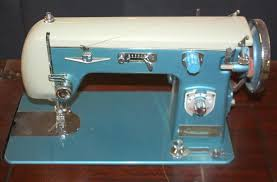 Signature Sewing Machine With Table