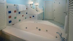 hotels with jacuzzi tubs pictures