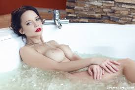 Shaved Angie from Playboy in Bathtub TGP gallery 245040