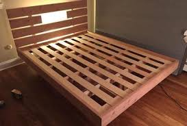 Here's the bed with all the slats on ...