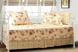 Victorian Style Quilts – boltonphoenixtheatre.com & ... Daybed Quilt Set Cotton 5 Piece Vintage Victorian Style Reversible  Bedding Victorian Style Quilts Victorian Style ... Adamdwight.com