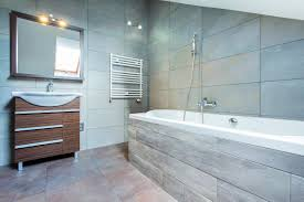 tips on making your small bathroom look
