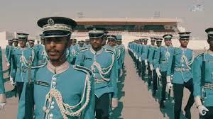 شاهد ماذا فعل خريجو كلية الشرطة أمام الأمير تميم فصفق لهم بحرارة | وطن يغرد  خارج السرب