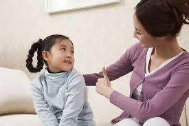 Kết quả hình ảnh cho trẻ để ý tâm trạng bố mẹ