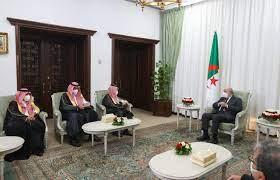 خادم الحرمين الشريفين يبعث رسالة شفوية لرئيس الجزائر