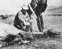 Resultado de imagem para O Sombrio caso de Lady Snippy  O episódio envolve a morte misteriosa de uma égua de três anos de idade, da raça Appaloosa, em um pasto de uma fazenda na região do Vale de São Luiz, no estado do Colorado, nos Estados Unidos