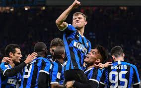 Inter Fiorentina 2-1: gol di Candreva e Barella. Conte in semifinale di  Coppa Italia