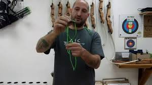 how to use a bow stringer