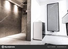 Modernes Badezimmer Klein Luxurioes Modern Mit Offener Dusche Foto