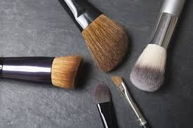 make up brushes time to wash your