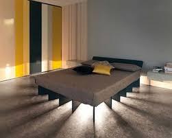 Hervorragend Lights Behind Bed Ideas Flashing Eyes Wall Rays