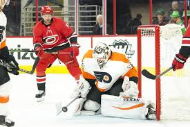 flyers win today flyers at hurricanes recap score a timely push gets things going