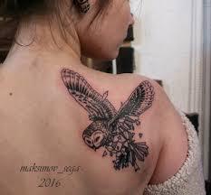 татуировка на лопатке у девушки филин фото рисунки эскизы