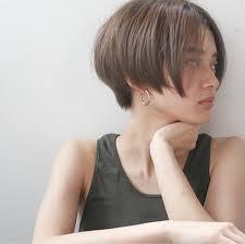 中世的髪型で男からも女からもモテよう魅惑の髪型で注目の的です