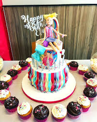 Cake Ideas For Womens 50th Birthday Bow Microphone Pops Dancing And