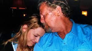 Ernie Lively: Blake Lively trauert um ihren Vater