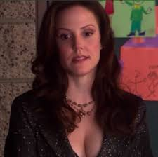 nancy botwin tacky 90s blazers aside i personally prefer nance without the heavy taupe eyeshadow