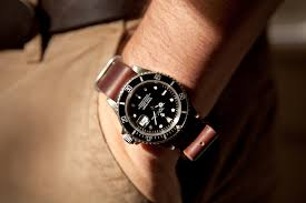submariner on leather nato