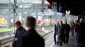 1 day ago · deutsche bahn: Urabstimmung Deutsche Bahn Bereitet Sich Auf Streik Der Lokfuhrer Vor Augsburger Allgemeine