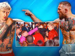 Conor McGregor punches Machine Gun ...