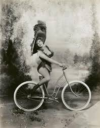 Marilyn Monroe as Lillian Russell photographed by Richard Avedon.