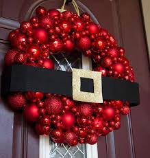 Awesome DIY Holiday Wreaths  The Happy HousieHoliday Wreaths Ideas