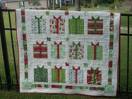 Flurry Holiday Gifts quilt and placemats | Quilting Sisters Unravelled & More ... Adamdwight.com