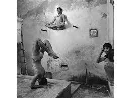 sqj 1601 india yoga 01 web resize jpg