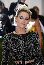 kristen stewart just won the eye shadow game at the 2016 met gala