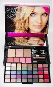 vs ultimate studio make up kit jpg 1