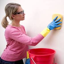 to clean walls without leaving streaks