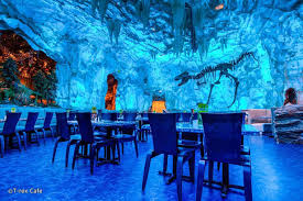 underwater restaurant disney world. T-Rex Café At Disney Springs Orlando - Dinosaur-themed Restaurant In Underwater World H