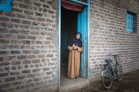 unfpa arabstates changing the perspective fighting to end hoda welcomes people into her home in upper she is a leader in convincing people to abandon female genital mutilation fgm acirccopy unfpa sima diab
