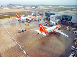 London's Gatwick Airport tries out new boarding system to end ...