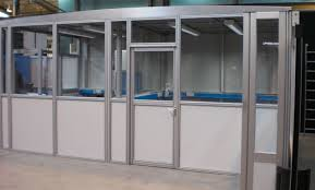 Transparent Aluminium Aluminium Glass Doors Dealers In Nashik
