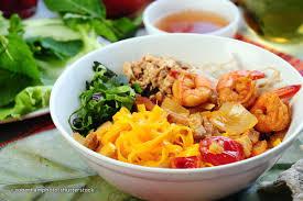 Image result for Mì Quảng vàng nghệ