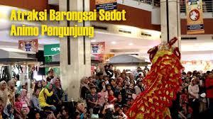 Berasal dari arab dengan latar belakang agama islam. Semarak Tahun Baru Imlek Plaza Asia Gelar Atraksi Barongsai