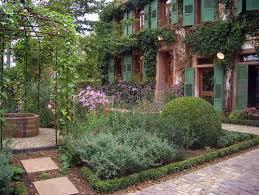 Cottage Garden Furniture Ideas  SaragrilloinvestmentscomRomantic Cottage Gardens