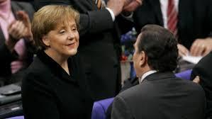 Merkel is on a farewell tour of the western. Der Unwahrscheinliche Weg Der Angela M Merkel Jahre 3 6 Eins Und Eins