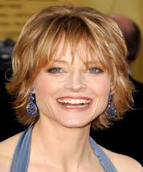 short hairstyles for women over 50 with layeres