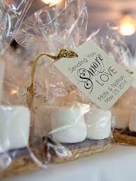 Creative edible wedding favor idea, cute s'more kits
