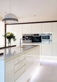 White Gloss Kitchen High Gloss White Kitchen With A Pop Of Bright Colour Love This
