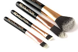 makeup brushes are very essential to achieve decent makeup looks but the quality can put a great impact on the overall result investing in good makeup