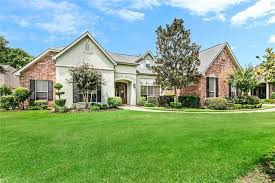 Check out this home I found on Realtor.com. Follow Realtor.com on  Pinterest: https://pinterest.com/realtordotcom | House styles, My house,  Mansions