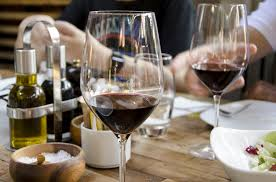 a glass of wine a day may help control type 2 diabetes