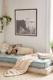 Small Couches For Bedrooms 17 Best Ideas About Daybeds On Pinterest Rustic Daybeds Daybed